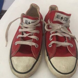 Vintage Red Converse All-Star Chuck Taylor USA 4.